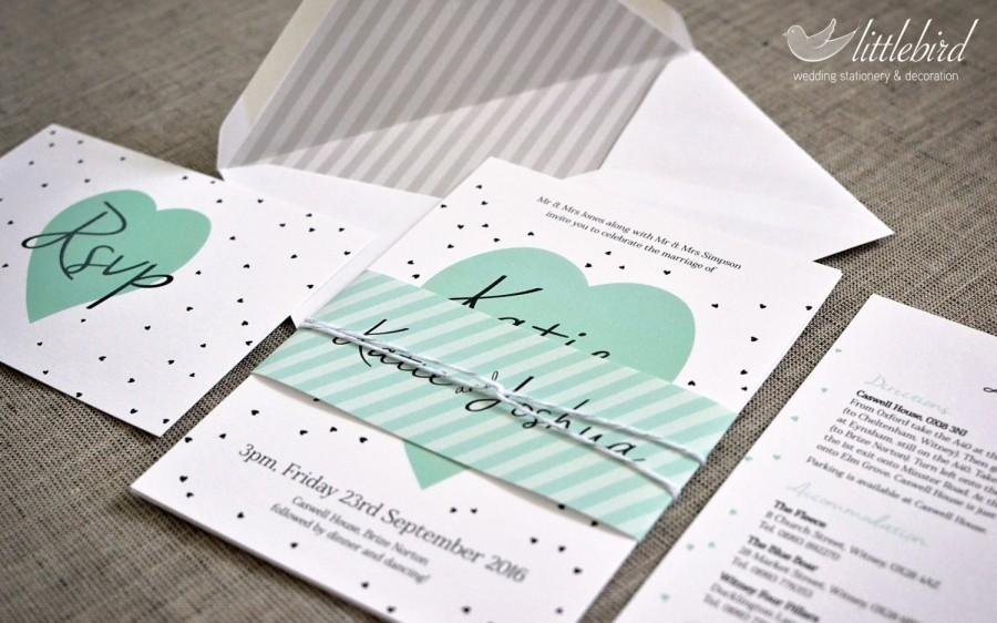 "Mariage - Littlebird - Simple, hearts  wedding invitation, finished with glitter spray - SAMPLE (5""x7"" invite)"
