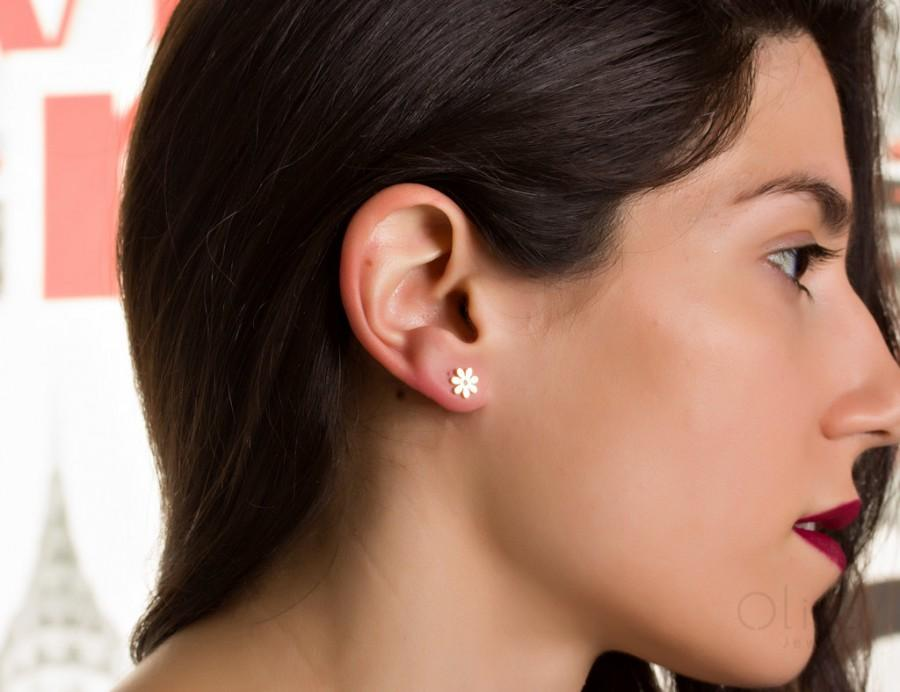 Wedding - Flower stud earrings / Gold stud earrings / Flower girl earrings/ Bridesmaid gift/ Flower studs / Silver flower studs /Stud earrings
