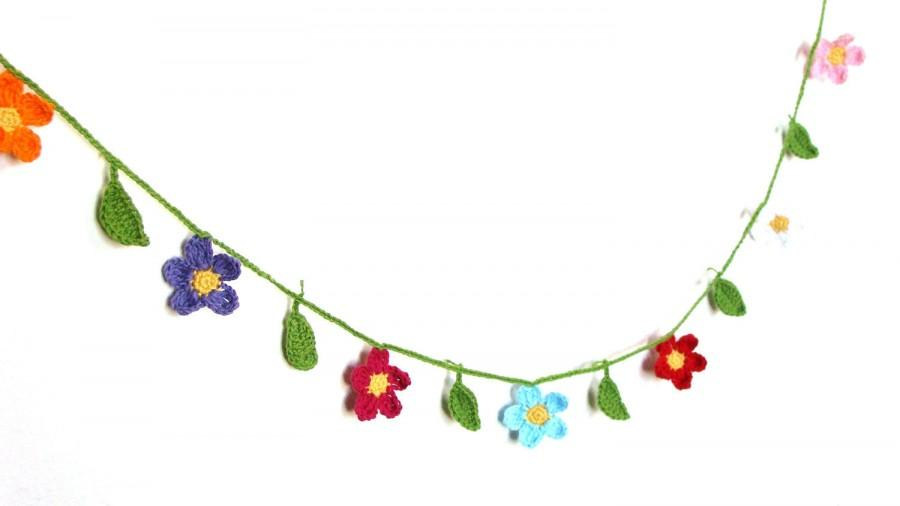 Mariage - Crochet flowers and leaves garland - wedding, party, spring summer decoration