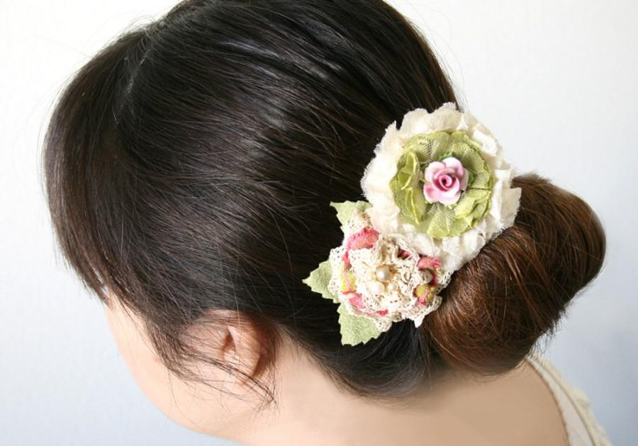 Свадьба - Floral Hair Barrette, Bridal Hairpiece, Bridal Barrette, Pink Floral Barrette, Bride Barrette, Garden Wedding Hairpiece, Floral Hair Clip