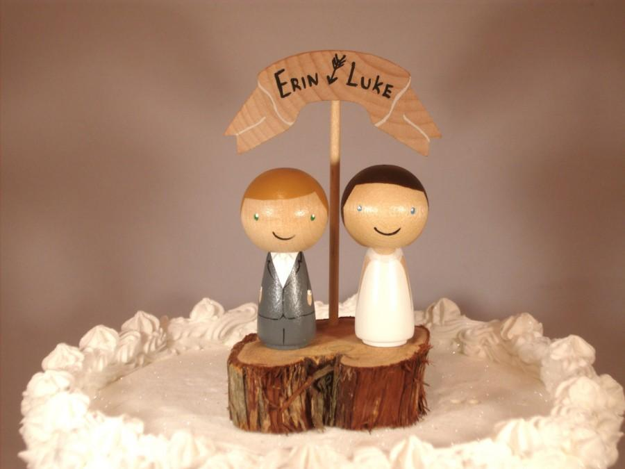 Hochzeit - 3D Kokeshi Wedding Cake Topper with Rustic Tree Slice Base and Wooden Banner Custom Cake Topper