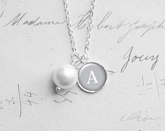 Mariage - Pearl Initial Necklace, Best Friend Gift, Stocking Stuffer, Will You Be My Bridesmaid Gift, Personalized, Holidays Sale, N170h1