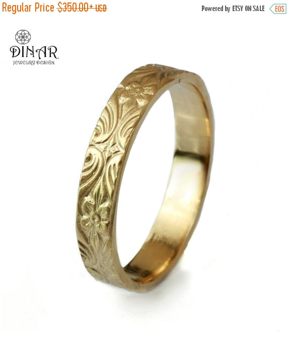 Mariage - 14k gold wedding band, Vintage Design , 4mm thin ring , Engraved Floral pattern, women's wedding band, gold ring , men's gold wedding band