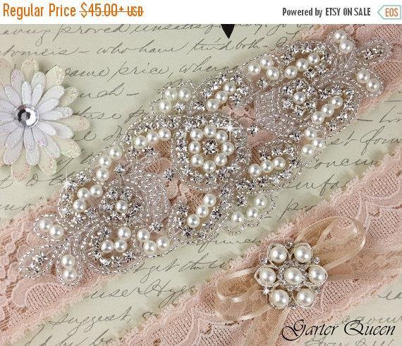 Свадьба - SALE  20% OFF Wedding Garter Set, Blush Lace Bridal garter Set, Rhinestone Garter, Lace Wedding Garter Set