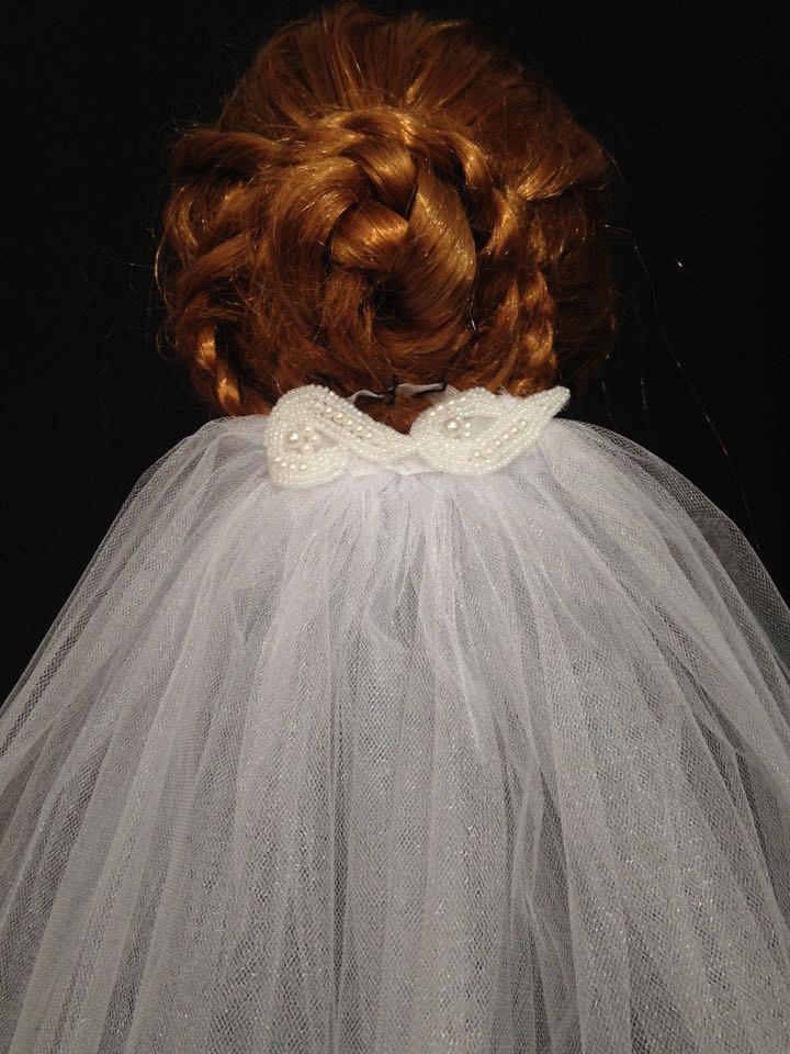 Свадьба - White Waterfall  Medium Lenght Elegant Wedding Veil With Beaded Lace