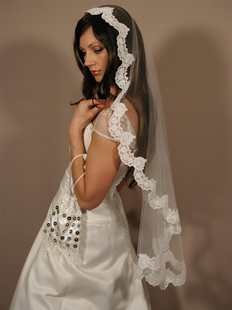 "Wedding - Mantilla veil 42"" fingertip length - Mantilla lace veil circular cut fingertip lenth."