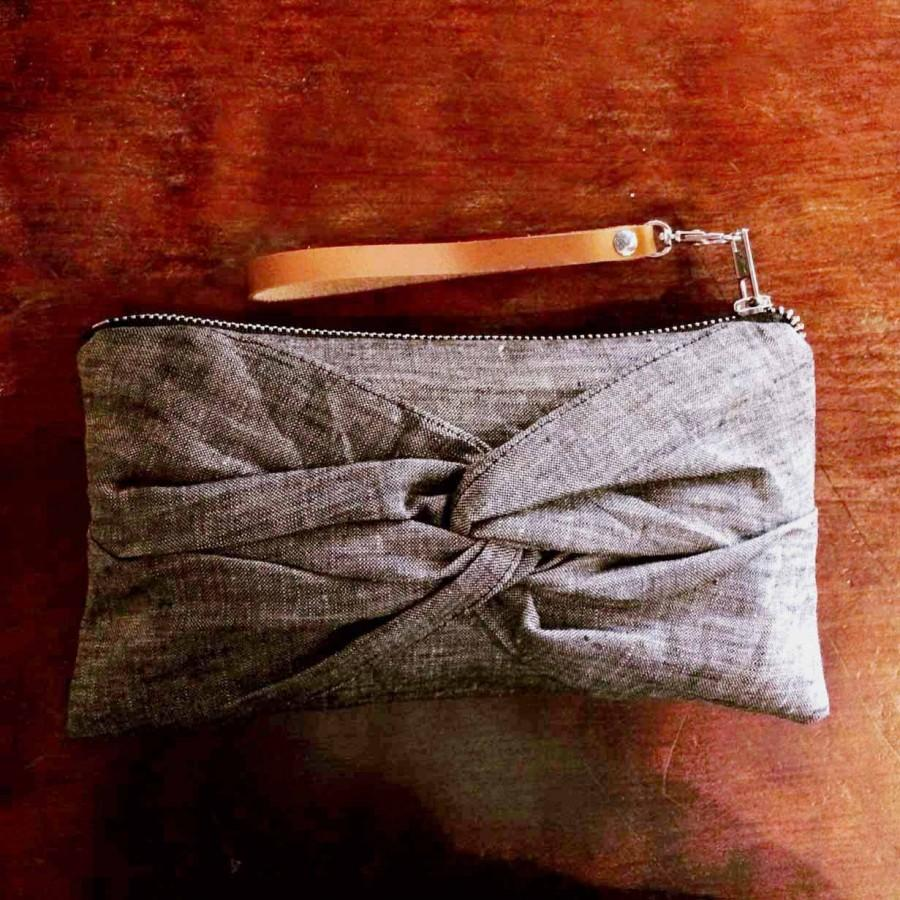 Hochzeit - Dark Gray Cotton Linen Wristlet - Rustic Bridesmaids Clutch - Cottage Chic Wedding Idea - Charcoal Gray Wristlet/ Dragonfly