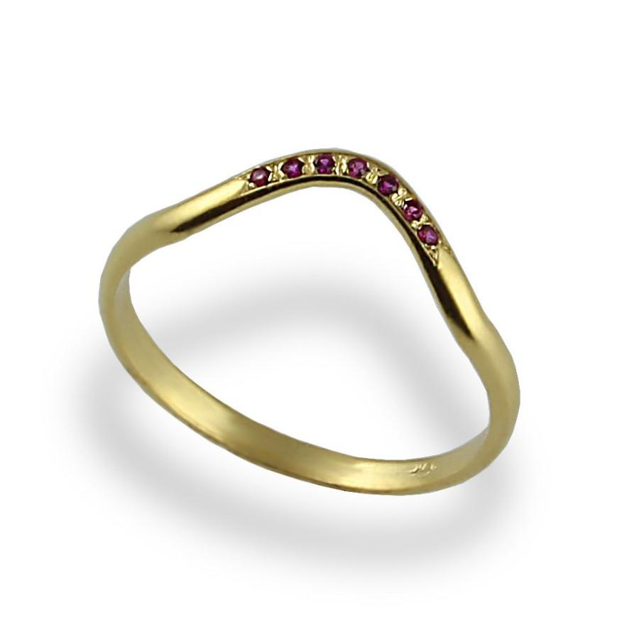 Mariage - Contoured Wedding Ring , Ruby Wedding Band , Yellow Gold , Thin Wedding Ring , Delicate Band , Stacking Ring , Pink Ruby , Wedding Band,