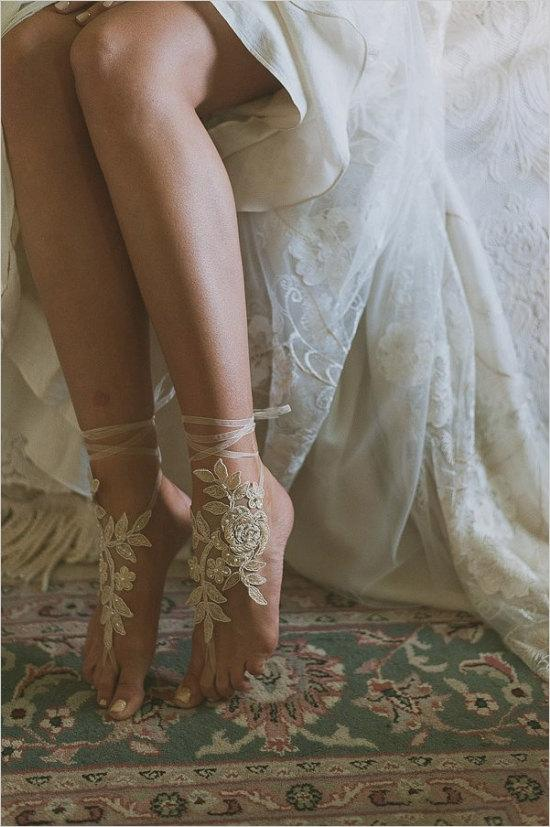 Свадьба - Champagne, gold french lace sandals, wedding anklet, Beach wedding barefoot sandals,