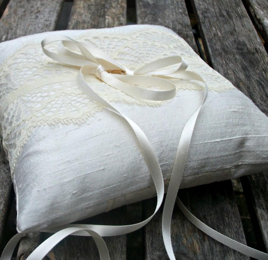 Wedding - Wedding Ring Bearer Pillow, ring cushion in Ivory Raw  Silk With a Strip of Buttercream Vintage Lace
