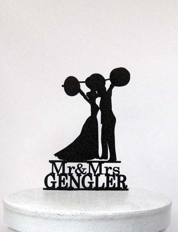 Свадьба - Personalized Wedding Cake Topper - Weight lifting  crossfitters wedding with Mr&Mrs Last name