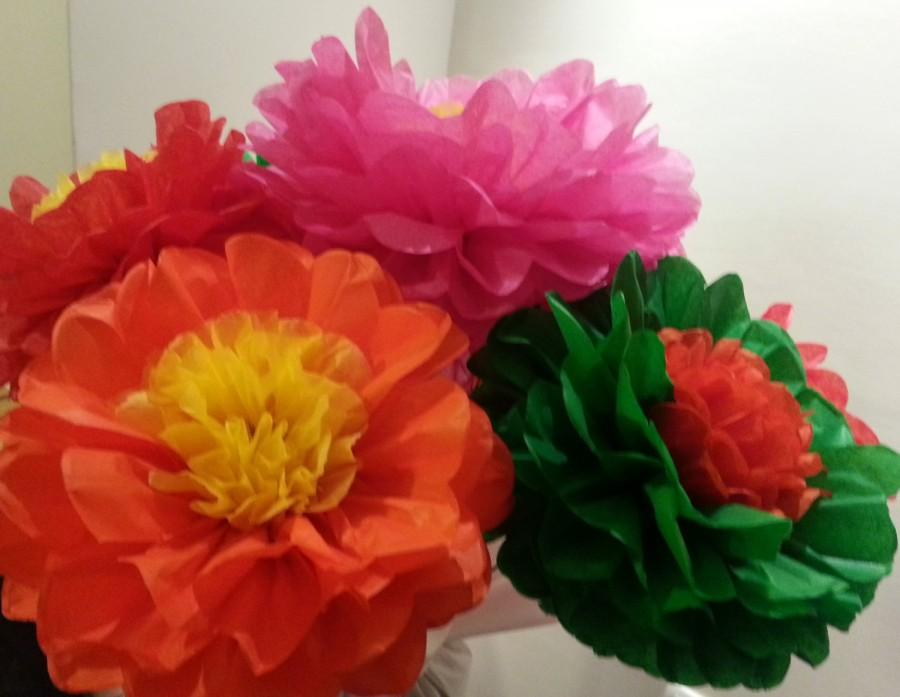 Свадьба - Fiesta Tissue Paper Flower - Set of 8  flower - Parties Decor/Birthdays/Fiesta/Mexico