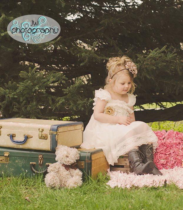 Свадьба - Ivory Lace Flower Girl Dress -Ivory Lace Baby Doll Dress/Rustic Flower Girl/-Vintage Wedding-Shabby Chic Flower Girl Dress