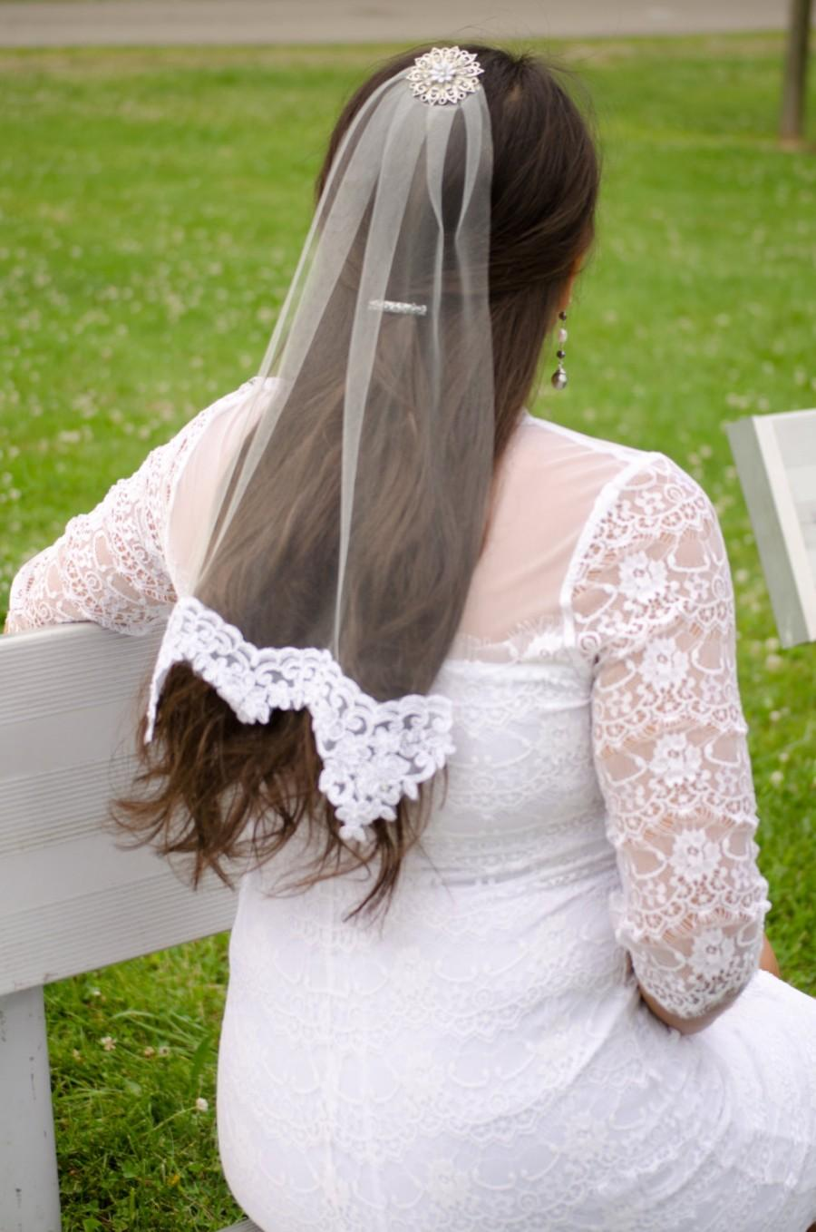Mariage - Short French Lace Veil with Star Pendant