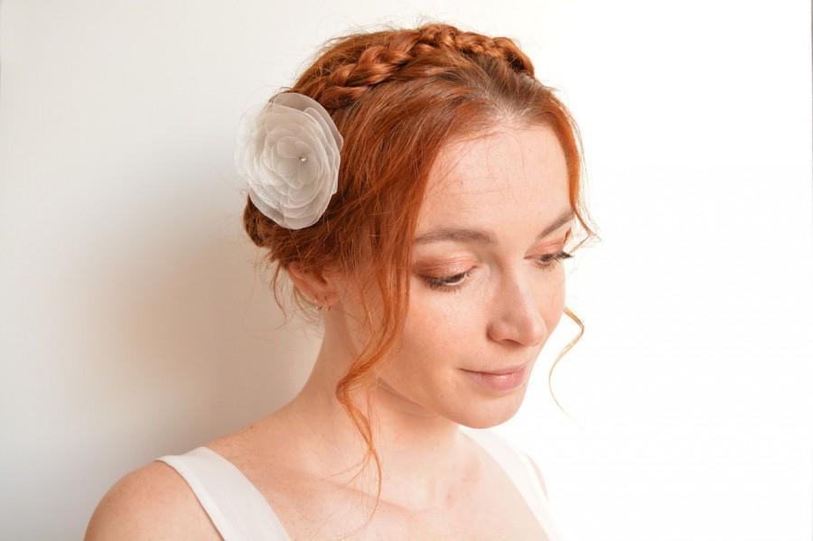 Mariage - Bridal off white organza flower hair clip - peony