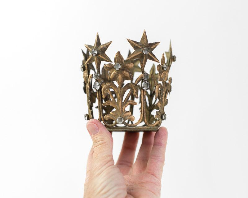 Свадьба - Gold Crown Cake Topper, Antique Gold Crown, Small Santos Crown, Star Crown, wedding cake topper, crown photography prop