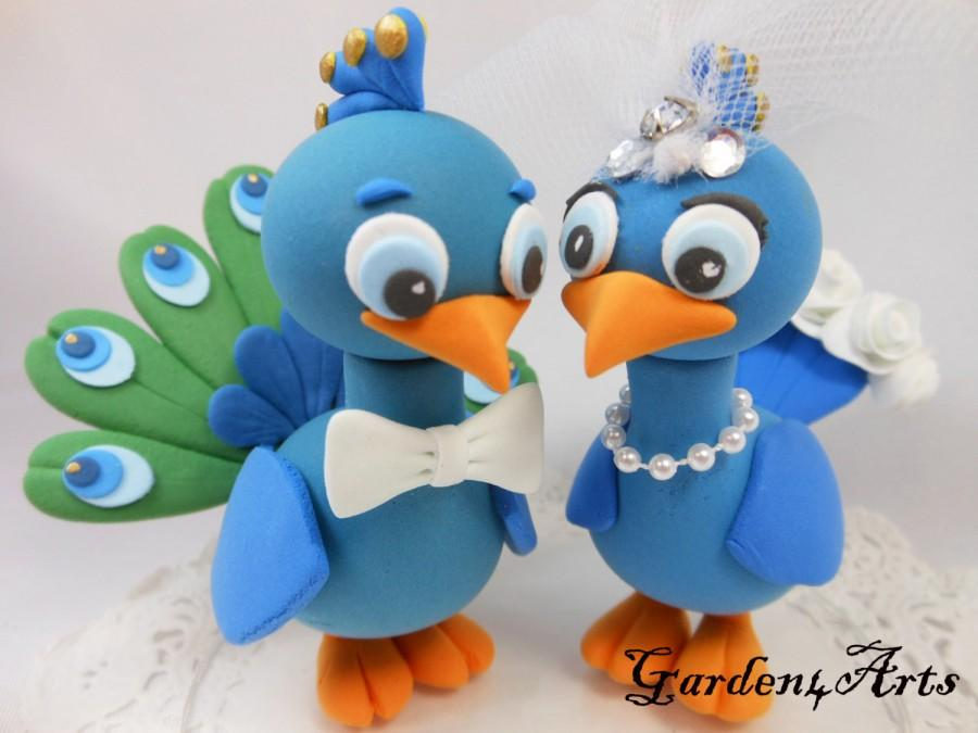 Hochzeit - Custom Wedding Cake Topper--Love Peacock Couple with Circle Clear Base