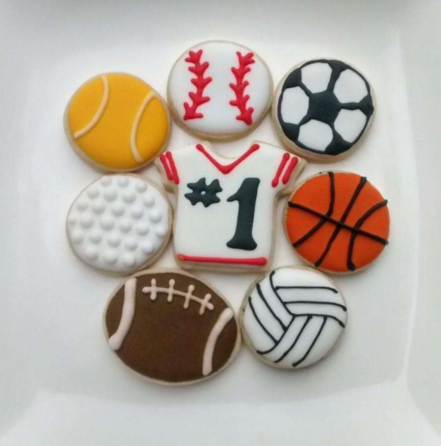 """Mariage - Jersey and ball mini sugar cookies or large 3.5"""" with royal icing football,soccer, hockey,baseball,golf,tennis,team sport"""