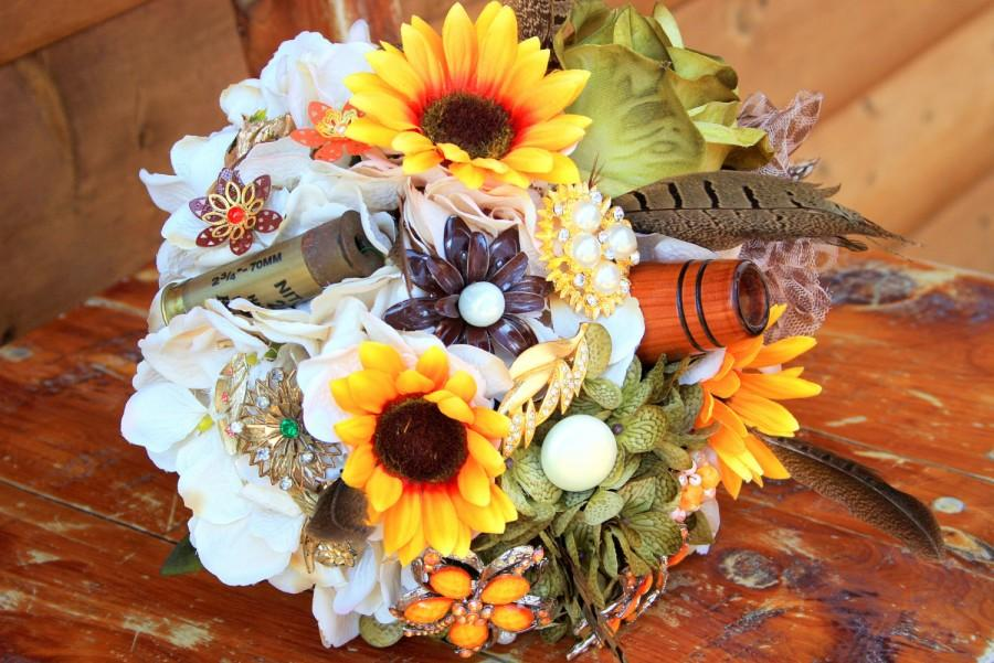 Hochzeit - Camo hunting sunflower brooch bouquet etsy wedding