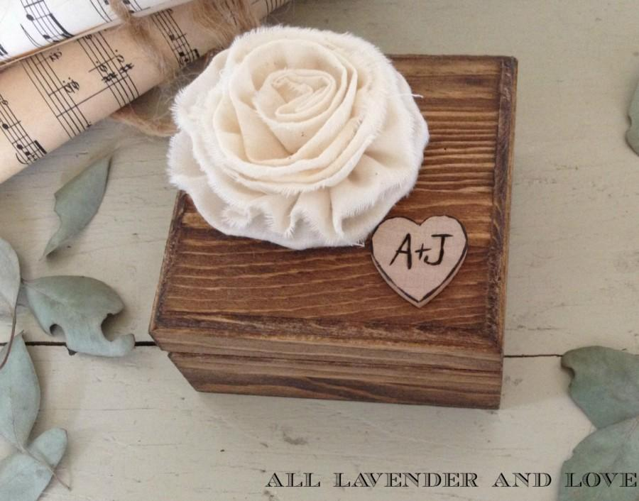 زفاف - Personalized Wood Ring Bearer Box Engraved Heart Ivory Flower with Ring Pillow