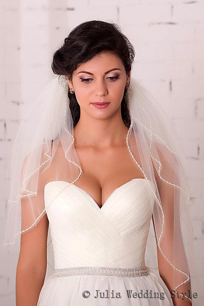 Mariage - Waist length tulle veil,Beaded veil,3Tier Bridal Wedding Veil,Wedding Beaded Edge veil,wedding veil with crystals,ivory veil,champagne veil