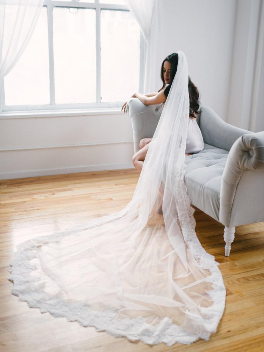 Hochzeit - Cathedral veil with alencon lace trim --HENRIETTE style 364