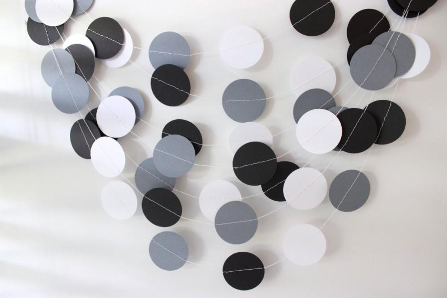 Hochzeit - Wedding Garland, Gray, Black & White Circle Paper Garland 10ft., Bridal Shower, Birthday, Rustic Wedding, Holidays, Winter Wedding