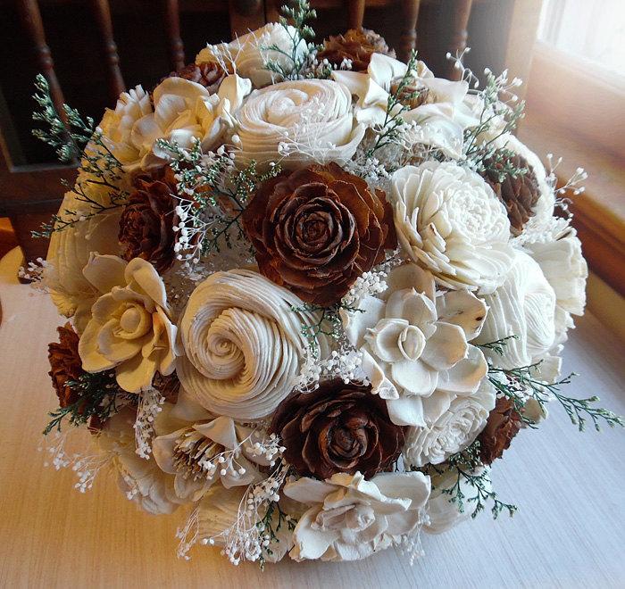 Mariage - Rustic Cedar Rose Bouquet, Cedar Roses, Sola Flowers, Burlap, Lace, Rustic Wedding Bouquet. Made to Order.