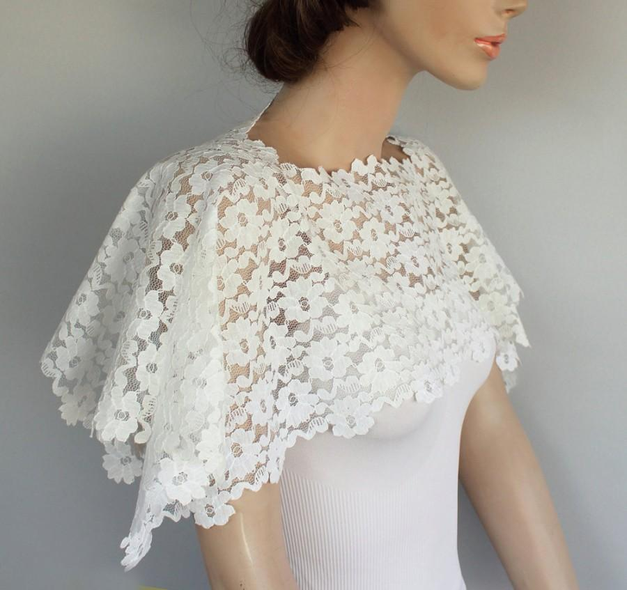 زفاف - Bridal Shrug, Off White Lace Bridal Shawl, Scarf Wrap, Shabby Chic Wedding, Bridal Lace Capelet, Romantic Wedding Top Shrug Unique Design