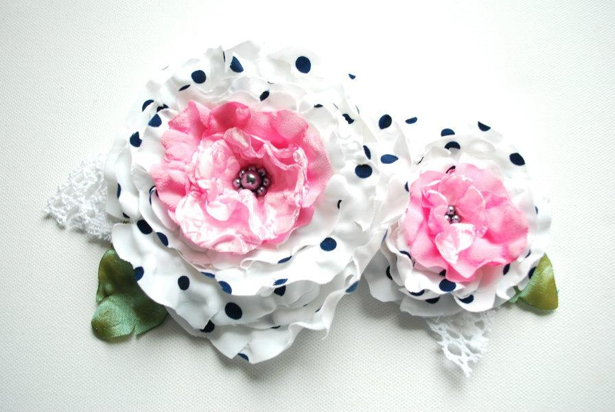زفاف - white black pink, polka dots flowers, satin roses, brooch, white bridal hair clip, flowers for sash, weddings accessories bride, bridesmaids