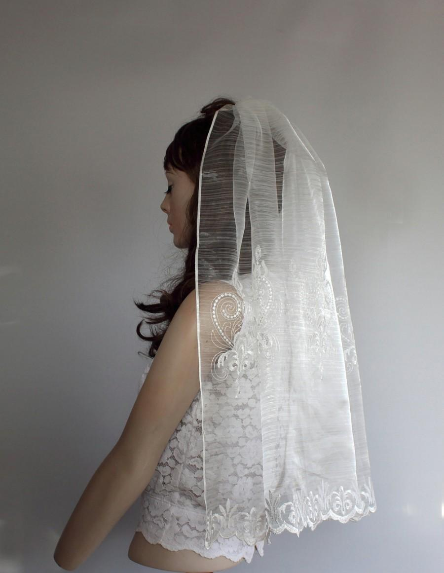 زفاف - Waist Length Veil, Cream Embroidered Fine Tulle Blusher Unconventional Handmade Modern Boho Wedding Unique Design