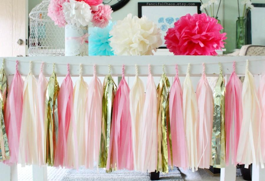 Свадьба - Pink, Cream and Gold Tissue Paper Tassel Garland- Wedding, Birthday, Bridal Shower, Baby Shower, Garden Party Decorations