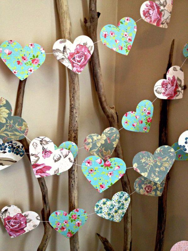 Hochzeit - 10 ft Paper Heart Garland - Vintage Shabby Chic Roses - wedding decoration, party decoration, baby shower decoration, high tea