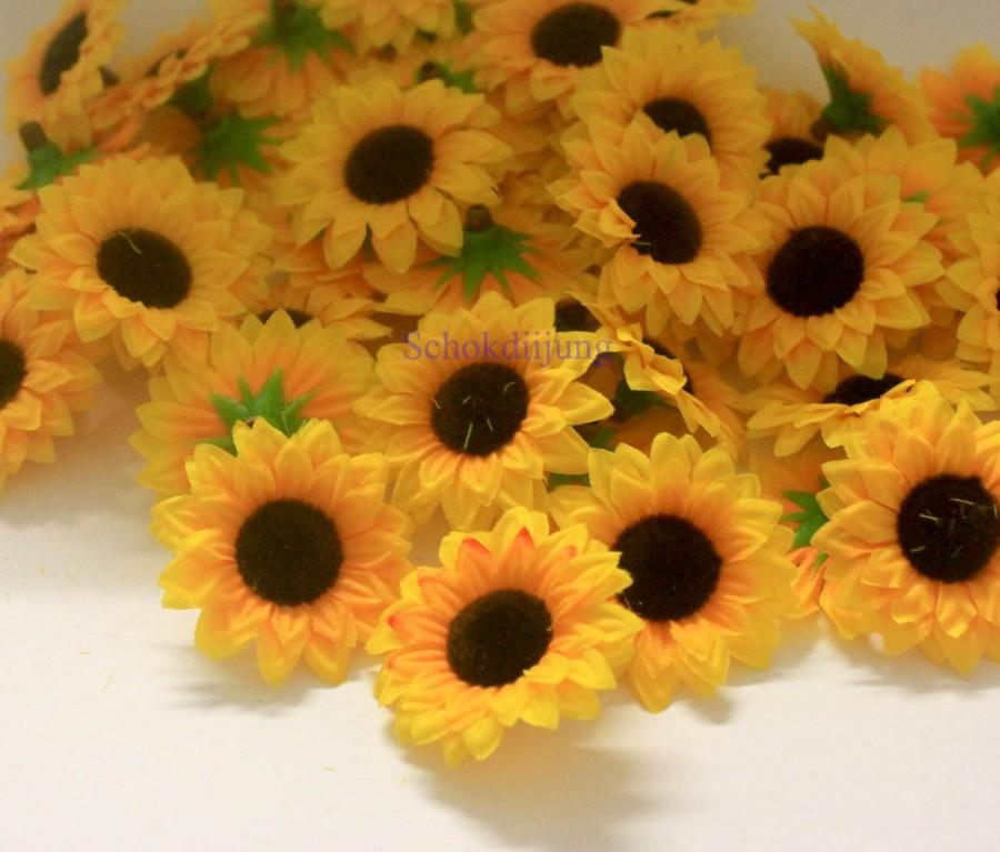"Hochzeit - 100 Yellow Mini Sunflower Artificial Silk Flower Heads 1.5"" for Wedding, Parties, decor"