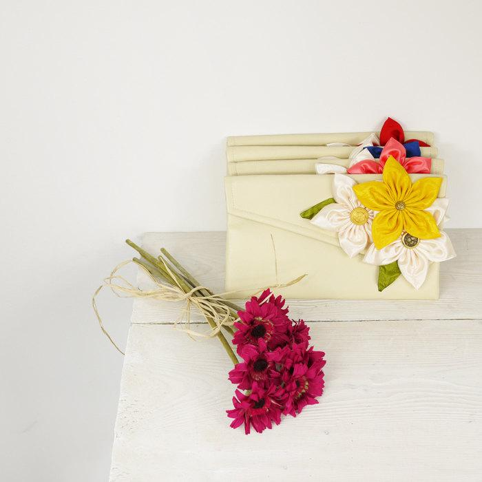 Wedding - Wedding clutches Customize your Bridesmaids Clutches to match your Wedding Colors