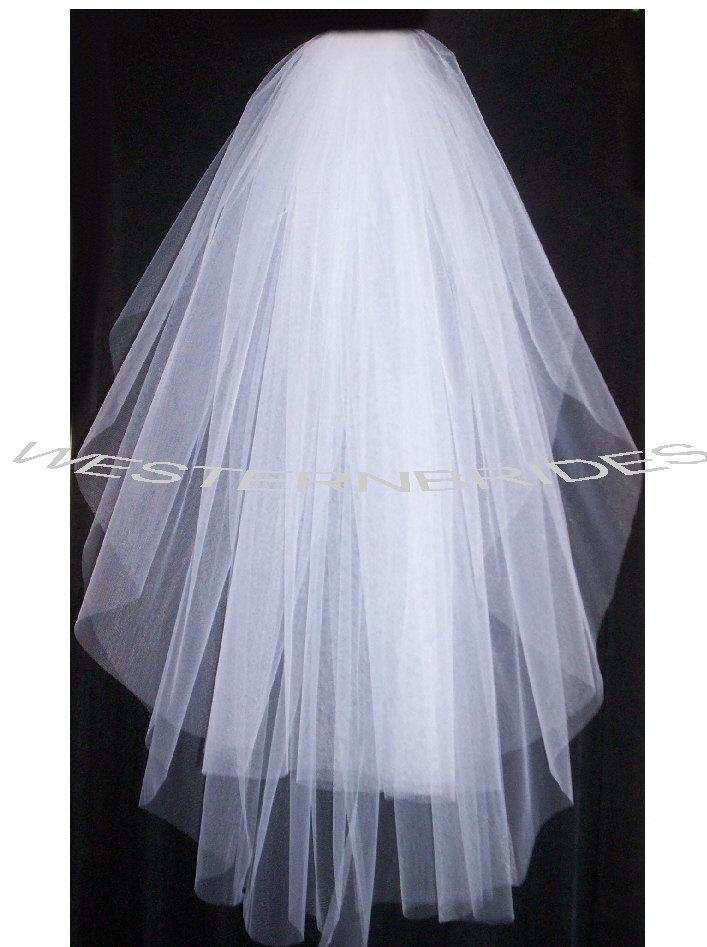 Mariage - Brand New  2 tier Classic style veil . waist  lenght with silver comb ready to wear