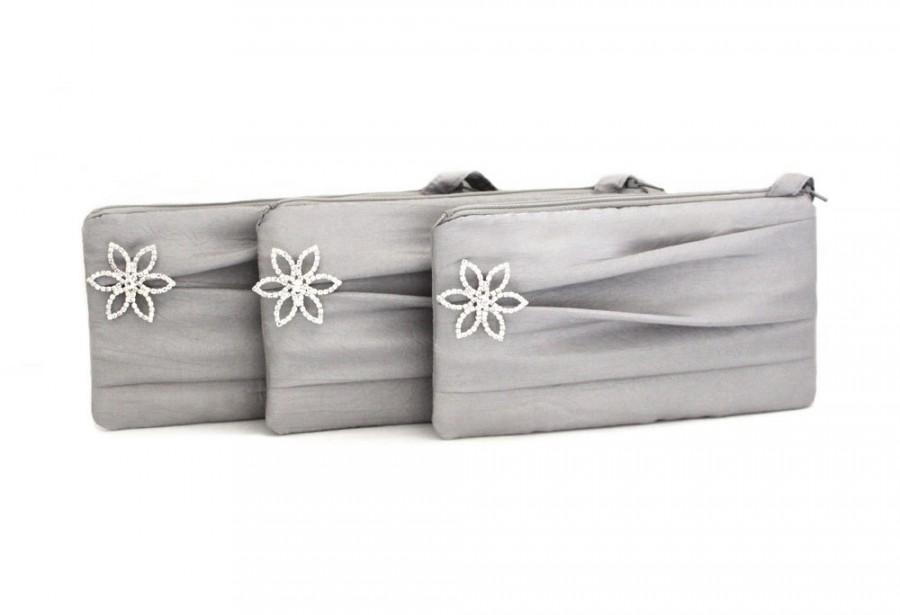 Свадьба - Rhinestone Bridal Clutch/ Pleated Wristlet/ Silver White Ivory Black Turquoise Blue And More
