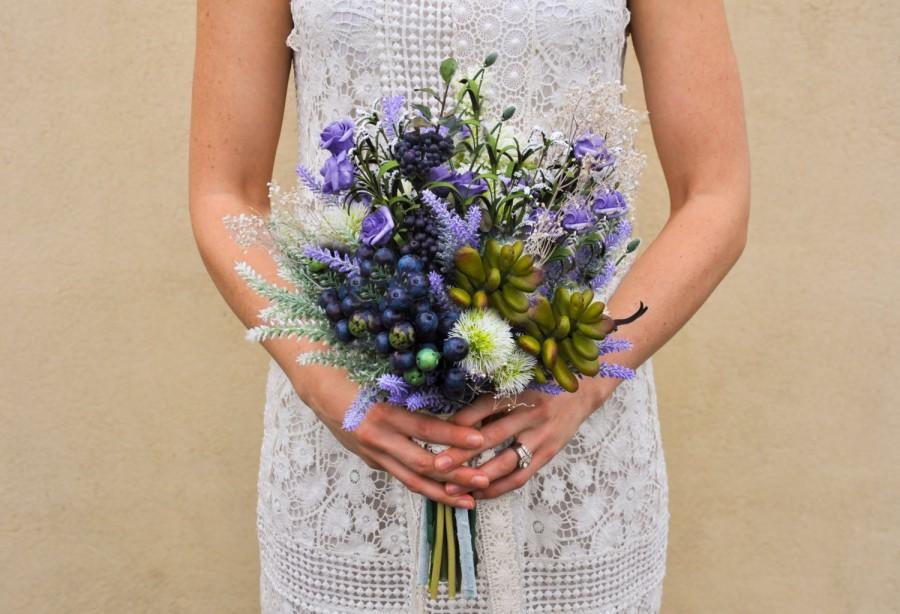 Mariage - Valentino Wild Flower Bouquet - Berries, Succulents and Lavender