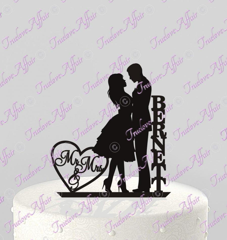 Mariage - Wedding Cake Topper Personalized Silhouette Couple Mr & Mrs with Last Name, Acrylic Cake Topper [CT82n]