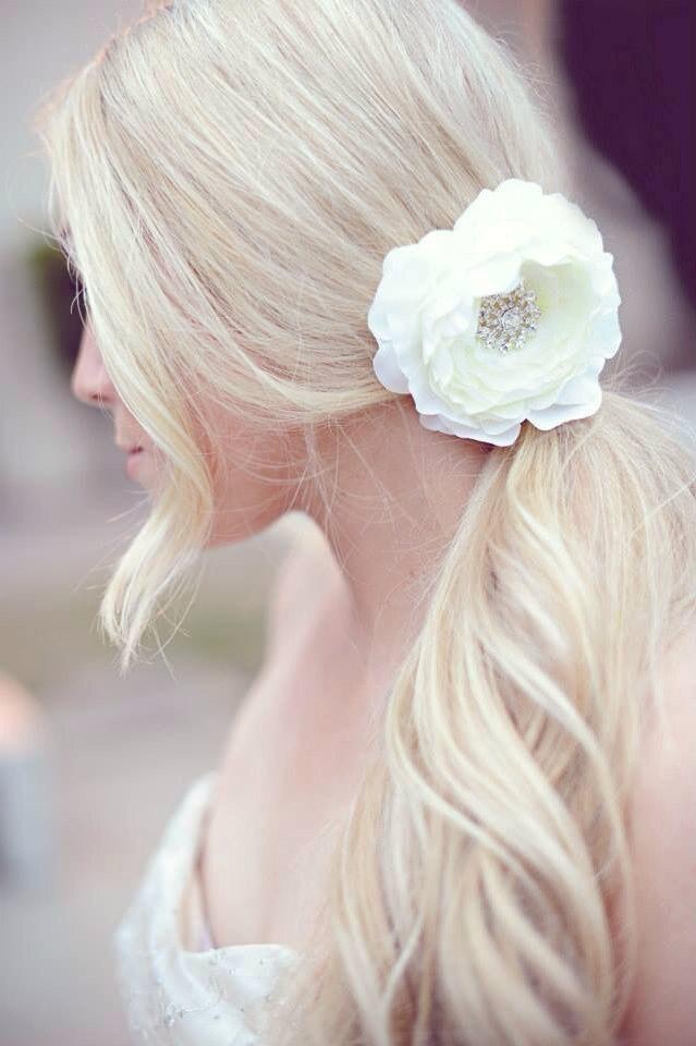 Свадьба - Flower Hair Clip - Flower for Hair - Flower Clip with Rhinestone Center