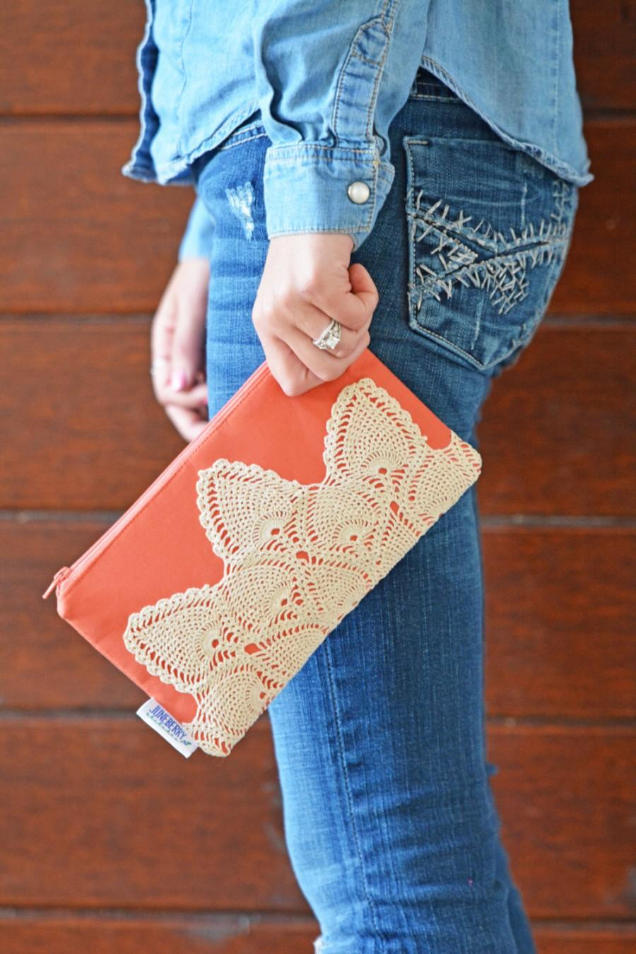 Mariage - Coral Vintage Lace Doily Zippered Clutch