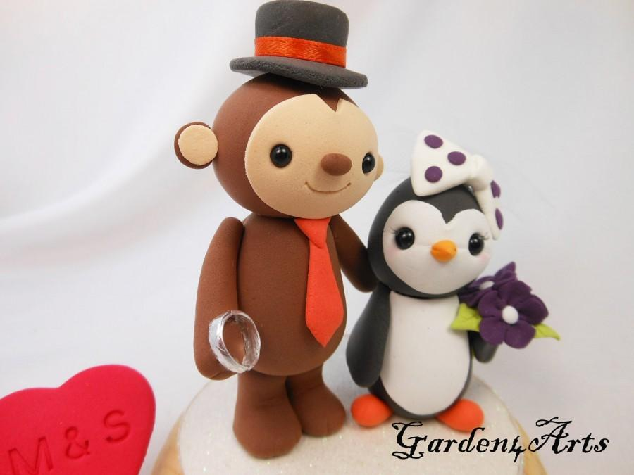 Свадьба - Custom Wedding Cake Topper--Monkey and Penguin Love with Wedding Ring and circle clear base