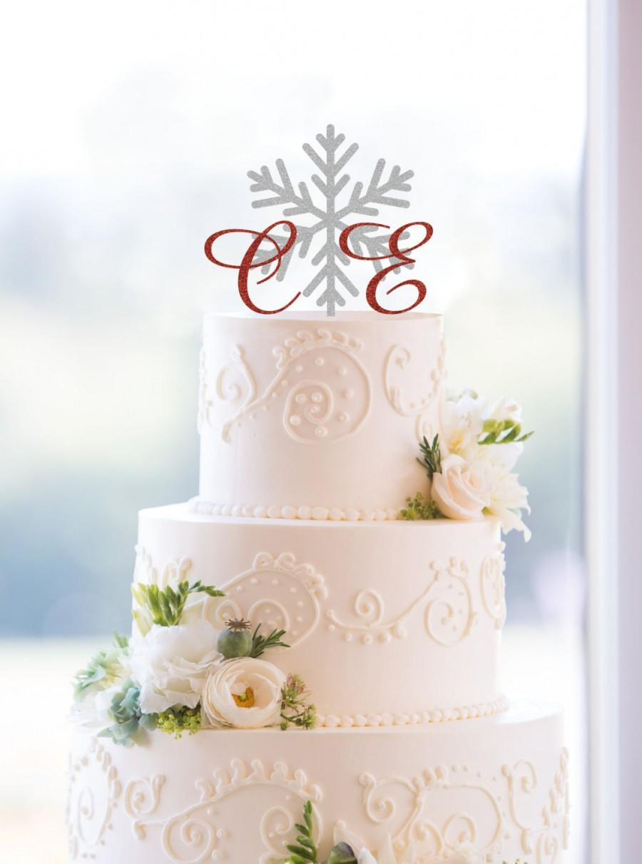 Свадьба - Snowflake Monogram Wedding Cake Topper, Custom Two Initials and Snowflake Topper Available in 15 Colors and 6 Glitter Options- (S103)