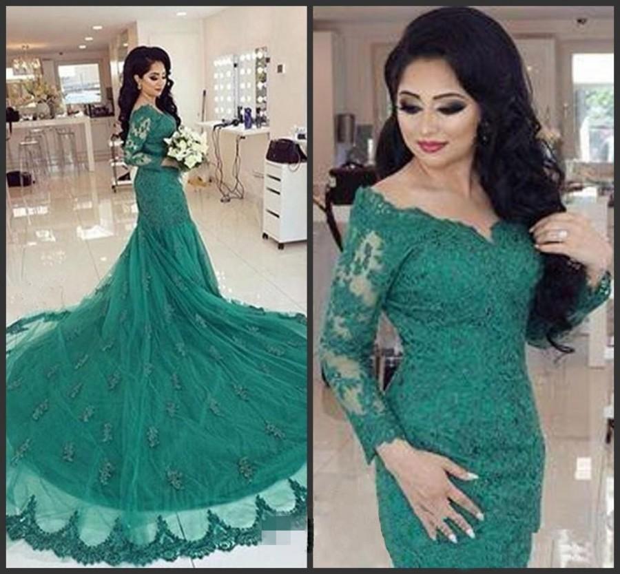 16 MOST BEAUTIFUL GREEN CELEBRITY DRESSES