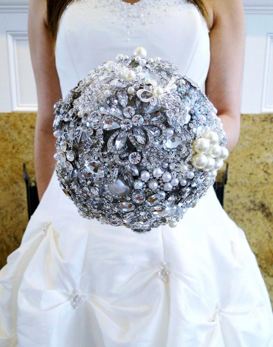Свадьба - Custom Bridal Brooch Bouquet Jeweled Wedding Flowers Crystal Broach Bouquet Choose Your Colors Rhinestone Pearl Bouquet Silver or Gold Bling