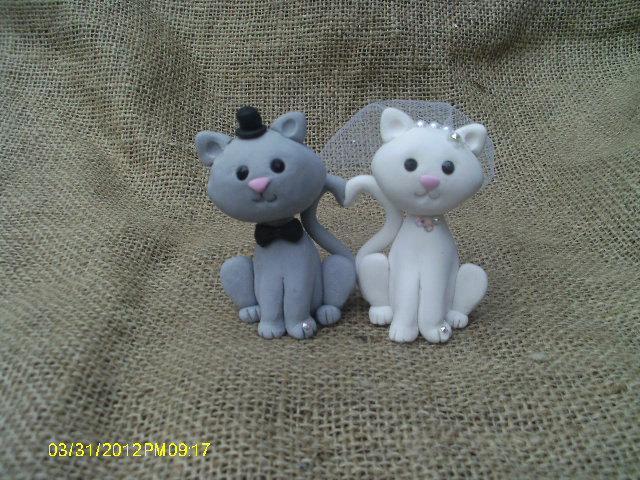 Свадьба - Love heart Cat bride and groom wedding cake topper