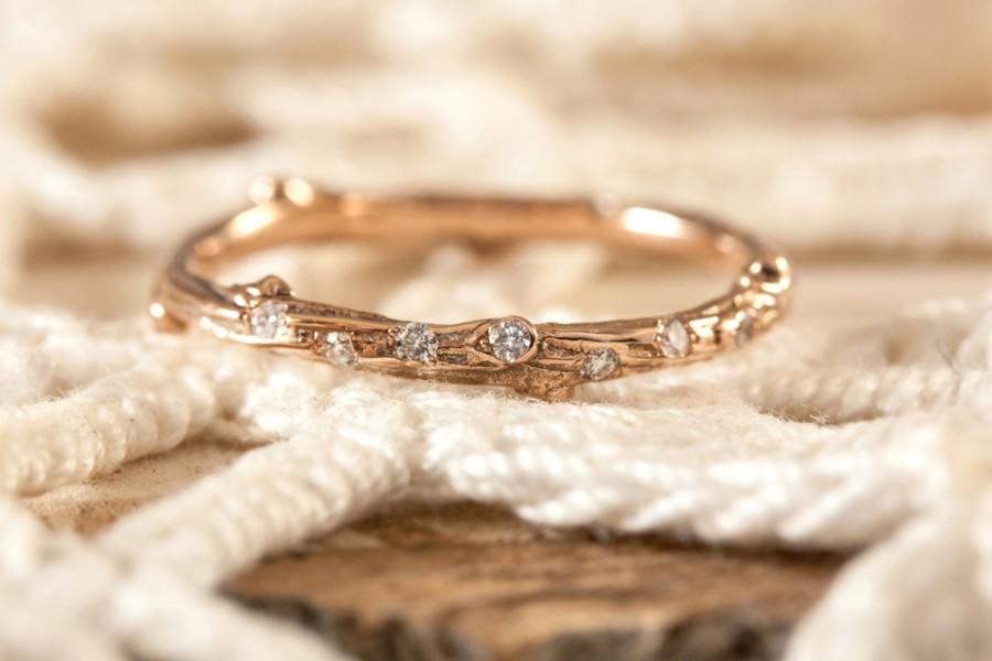 Hochzeit - Twig ring with scattered diamonds