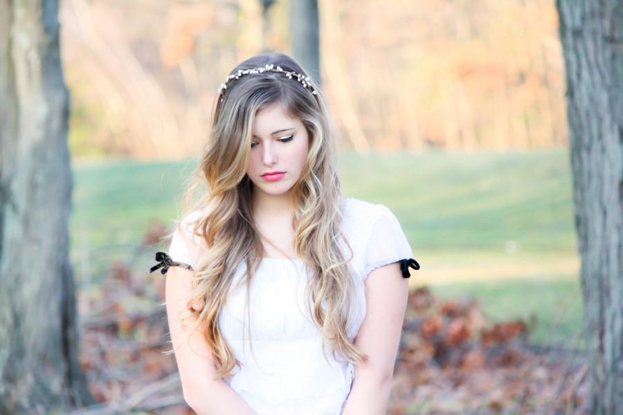 Свадьба - Bridal headband, wedding accesories, woodland bridal wreath