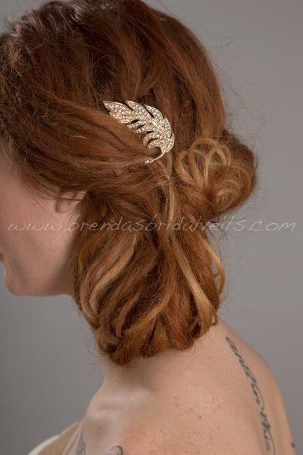 Свадьба - Gold Rhinestone Feather Hair Comb, Wedding Headpiece - Ramona