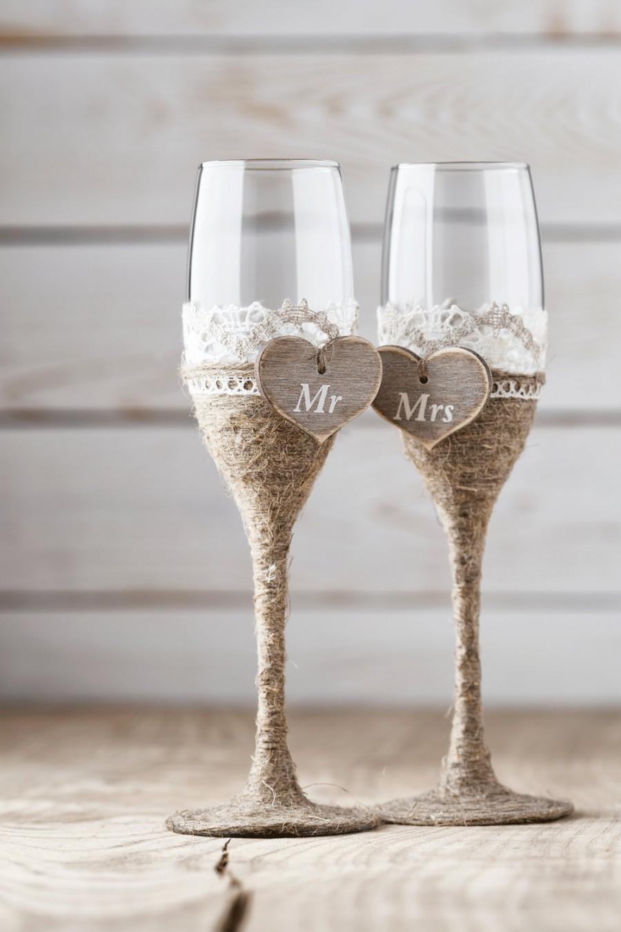 Свадьба - Wedding Toasting Glasses Rustic Toasting Flutes Wedding Champagne Flutes Bride and Groom Wedding Glasses Bridal Shower Gift